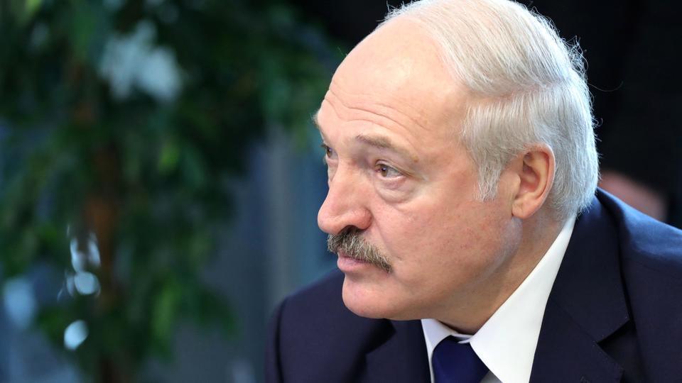 Нет необходимости: Лукашенко не сдавал тест на COVID-19