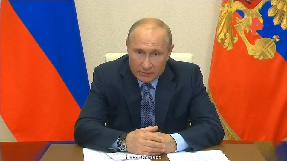Путин вручит госнаграды медикам за борьбу с коронавирусом