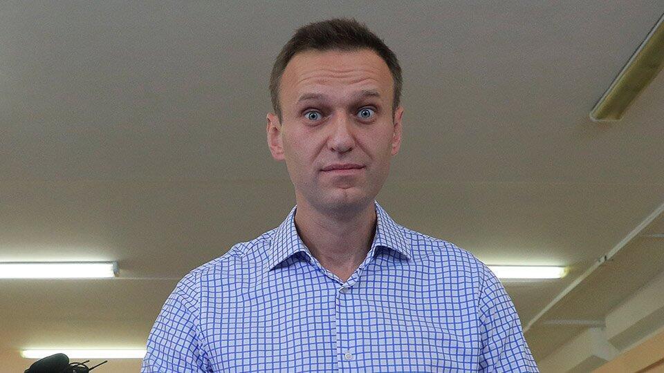 Навального вызвали на допрос по делу о клевете