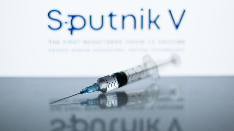 """Ученые: """"Спутник V"""" эффективнее других вакцин против дельта-штамма"""