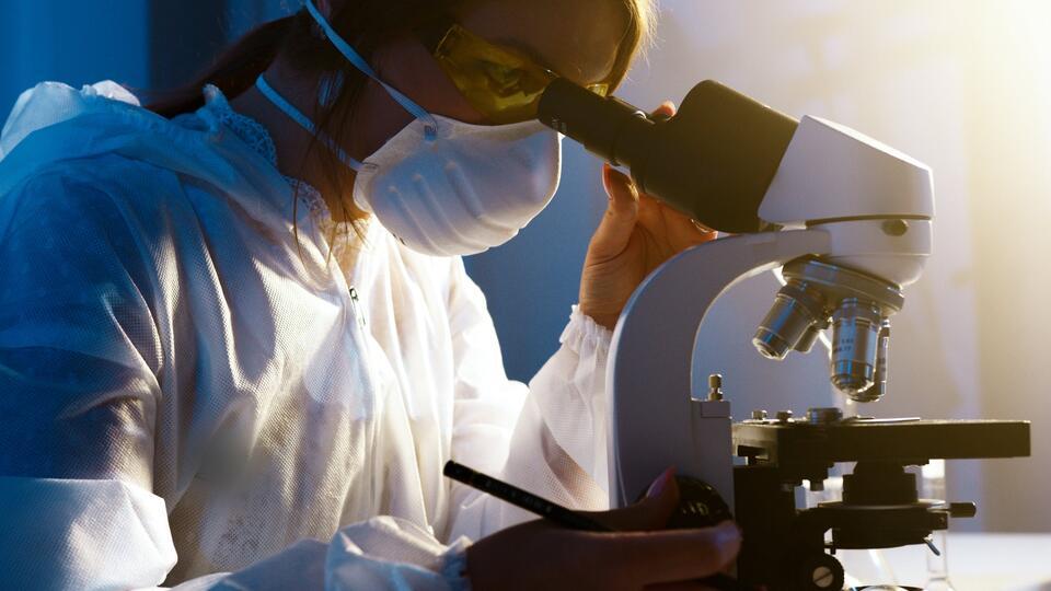ВОЗ: Новых штаммов COVID, угрожающих эффективности вакцин, не выявлено