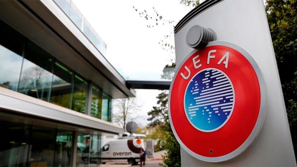 Футболисты в Крыму обратились в УЕФА по поводу ущемления своих прав