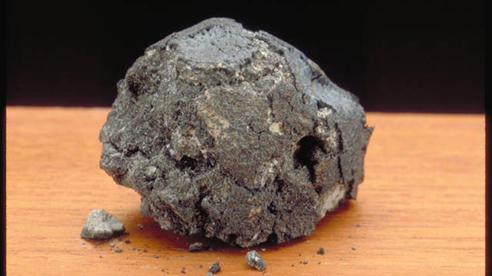 Российские ученые нашли в метеорите следы внеземной жизни