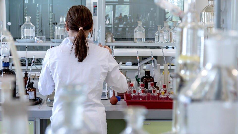 Ученые: индийский штамм коронавируса не сможет вызвать эпидемию в РФ