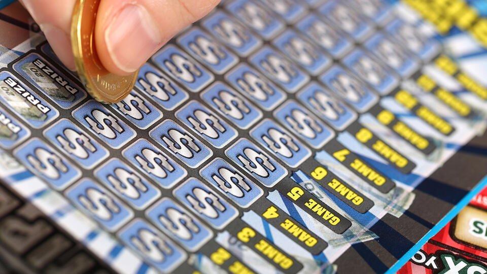 Продавец украл у покупательницы лотерейный билет на полмиллиона евро