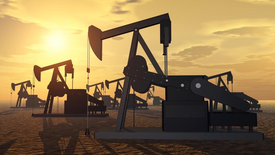 Новак выразил обеспокоенность ростом запасов нефти в мире