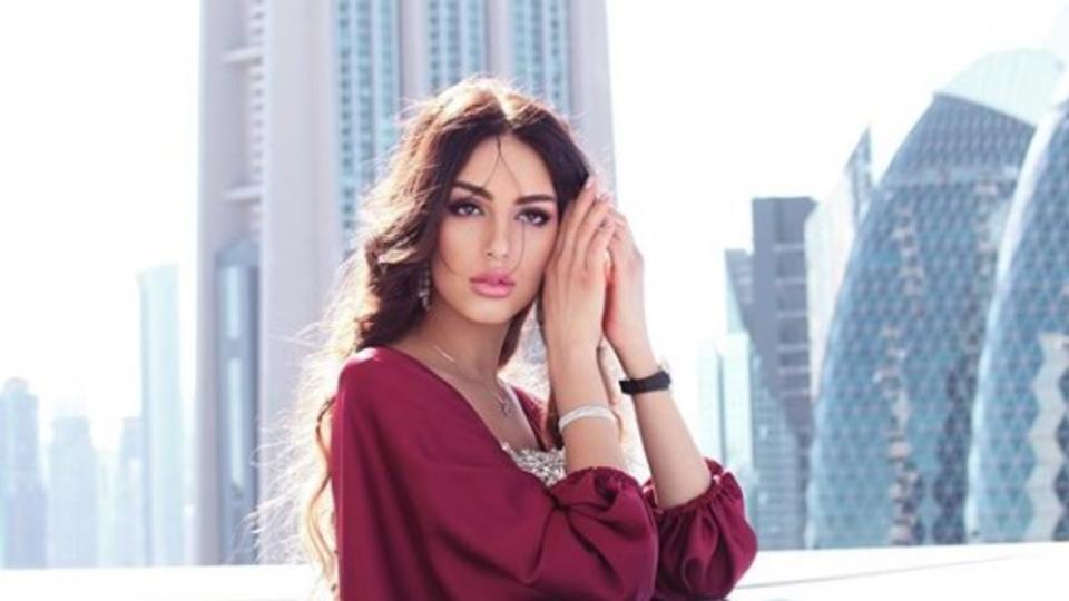 """""""Мисс Москва"""" после брака с султаном советует не выходить за королей"""