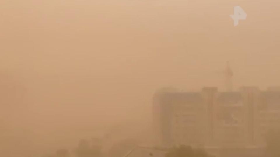 Погружение во тьму: песчаные бури поглотили города в России