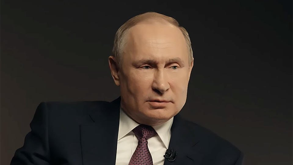 """Путин назвал """"чушью собачьей"""" обвинения Сталина в развязывании войны"""