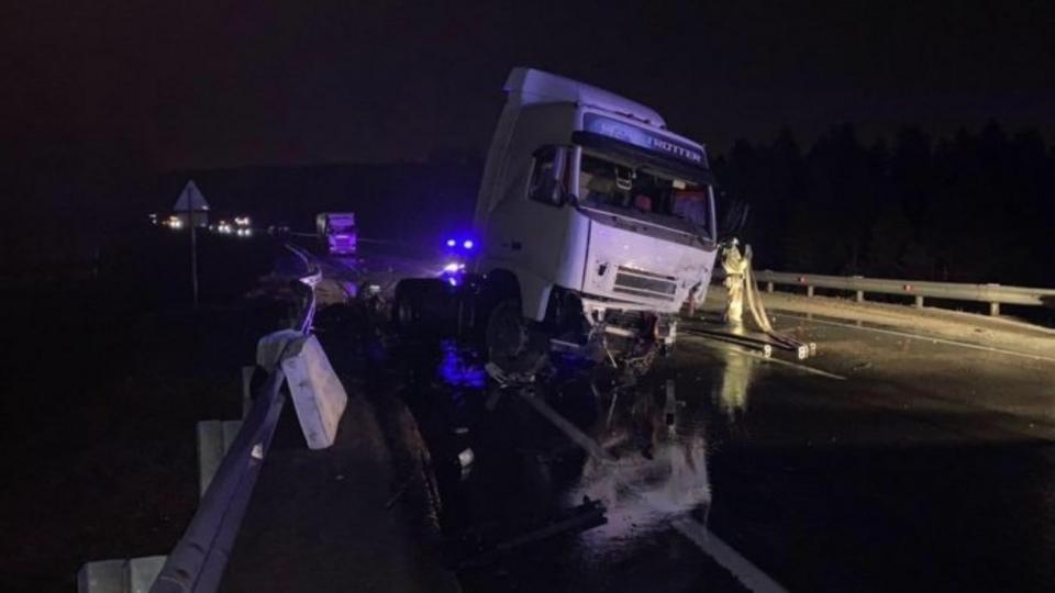 Один человек погиб и трое пострадали в ДТП под Иркутском