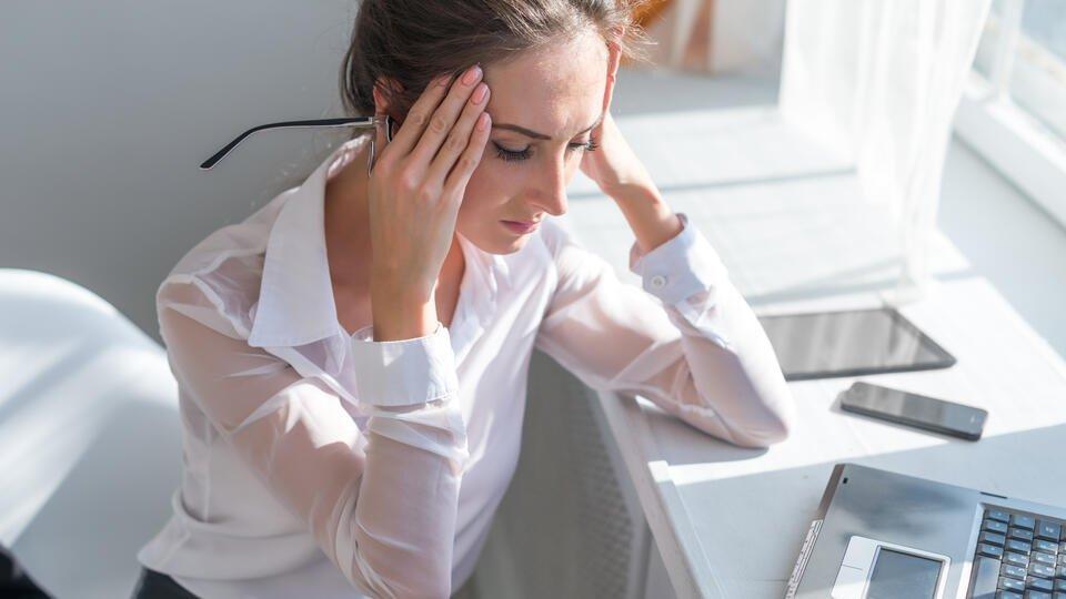 Врачи рассказали, с каким видом головной боли стоит идти к врачу