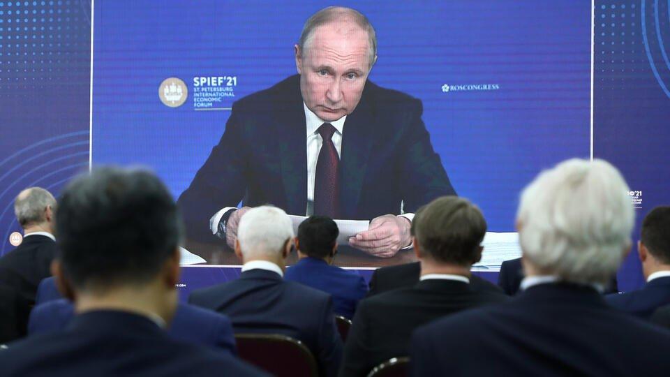 Путин: российская экономика показала устойчивость к внешним шокам