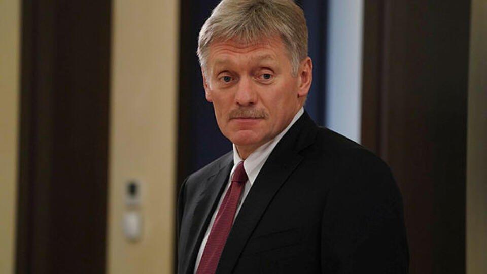 Песков заявил, что оказался в больнице с двусторонней пневмонией