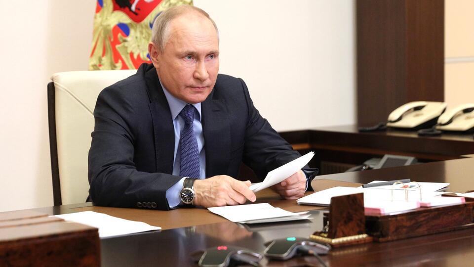 Нашей огромности боятся все: Путин о попытках сдержать Россию
