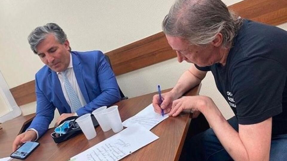 Адвокат Пашаев: Ефремову не нужны ни поддержка, ни осуждение