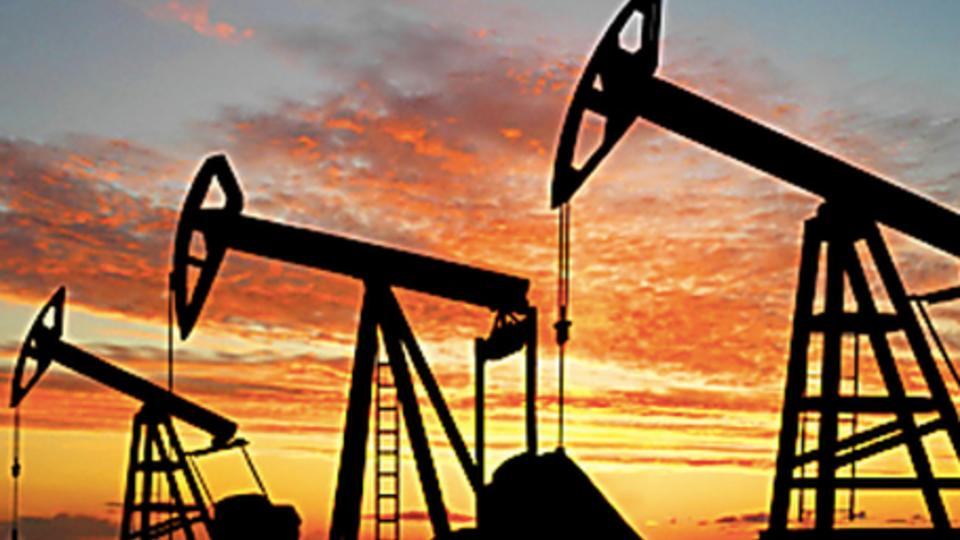 Экономист предсказал снижение цен на нефть в 2021 году