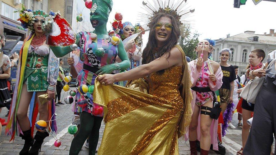 В Великобритании ЛГБТ-сообщество вконец разругалось из-за BLM