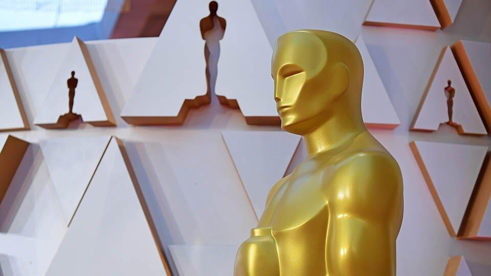 """Одноногий темнокожий гомосексуальный """"Оскар"""""""