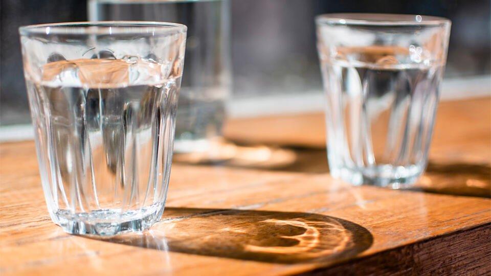 Кофейне в Москве грозит штраф после продажи антисептика под видом воды