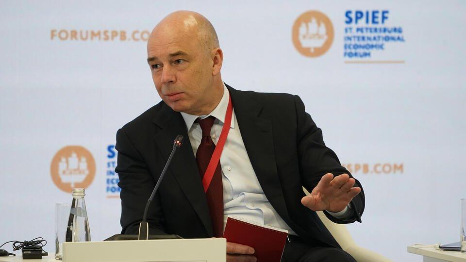 Силуанов: Россия полностью откажется от доллара в структуре ФНБ
