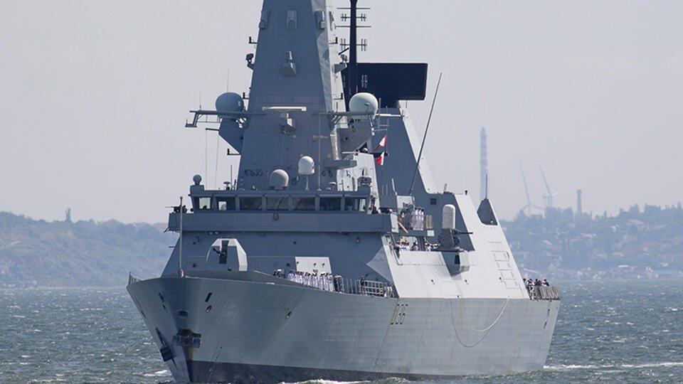 Джонсон не считает, что в Лондоне лгут о ситуации с эсминцем Defender
