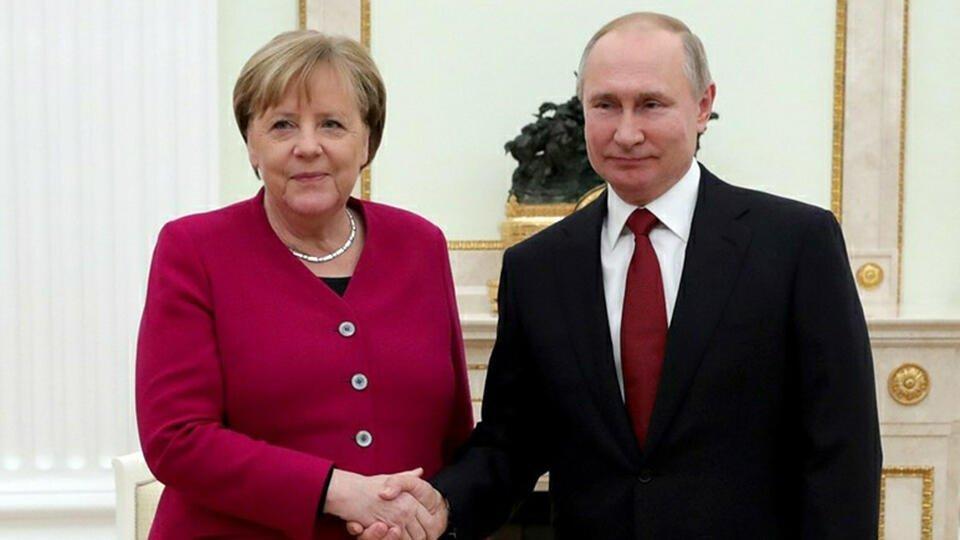 """Меркель заявила о необходимости реализовать """"Северный поток-2"""""""