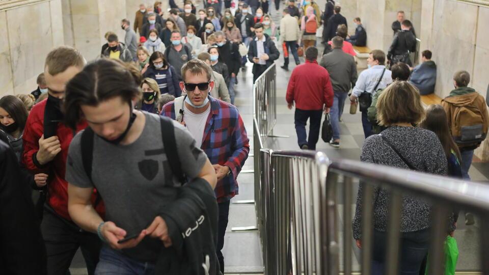 В Москве на 35% увеличилась доля заболевших COVID среди молодых людей