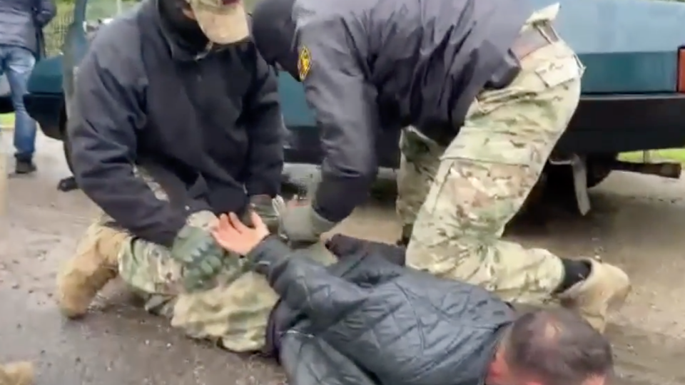 ФСБ: В 18 регионах России задержаны 48 подпольных оружейников