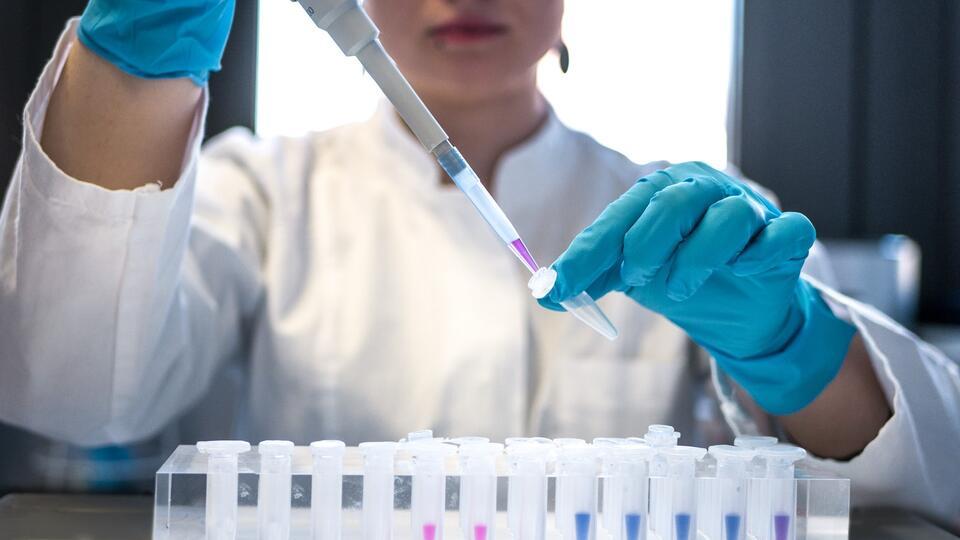 Названы сроки появления антител к COVID после повторной вакцинации