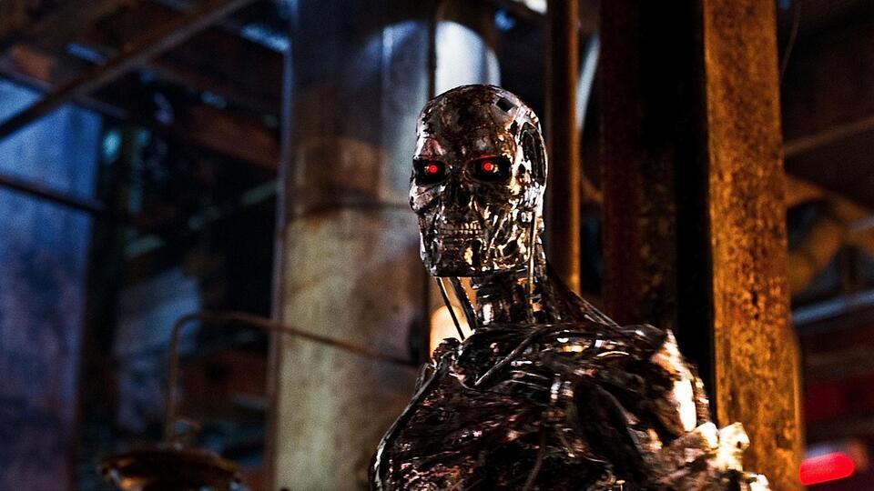 Правозащитники призвали защитить человечество от роботов-убийц