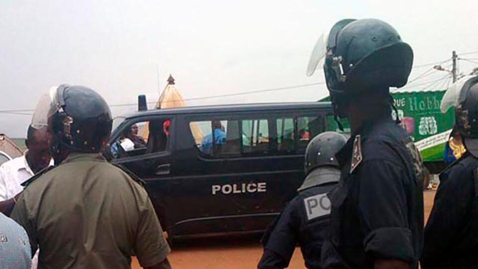Не менее 12 человек погибли в ДТП с грузовиком в Камеруне