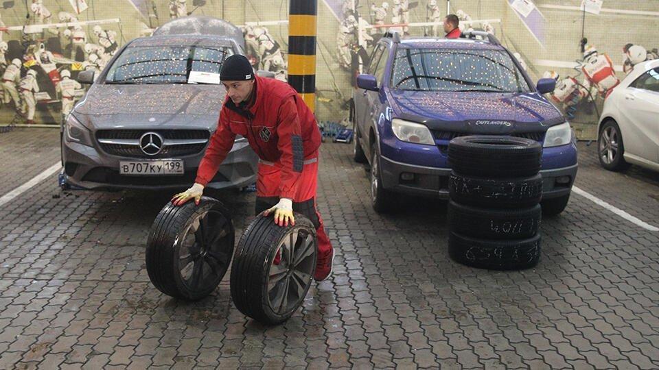 Москвичам посоветовали переобуть машины