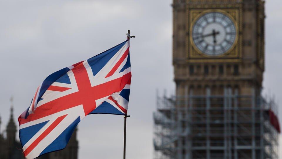 В посольстве РФ возмутились решением Британии о санкциях