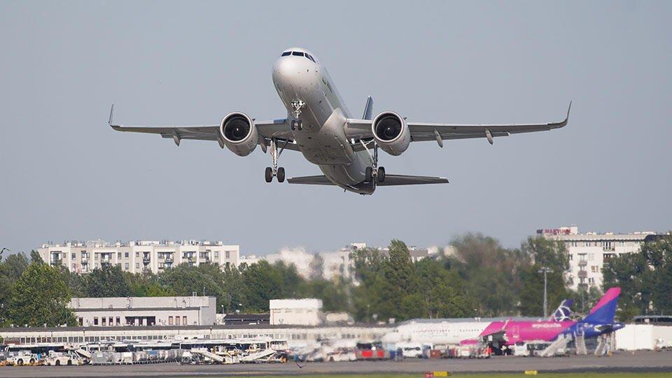 Польша открыла авиасообщение с Россией