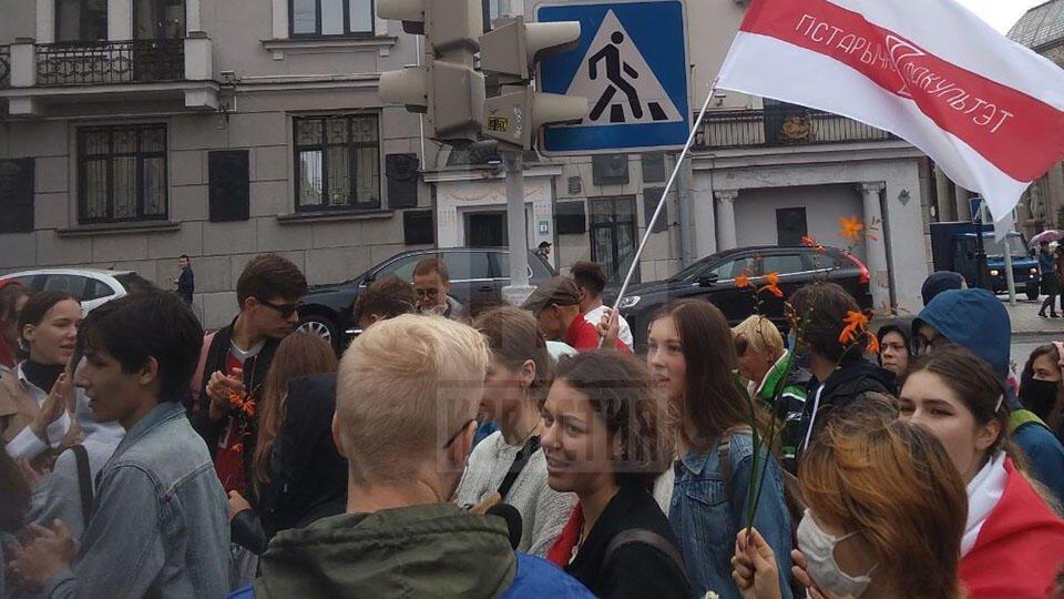 """""""Саша, ты отчислен"""": тысячи студентов вышли на акцию в центре Минска"""