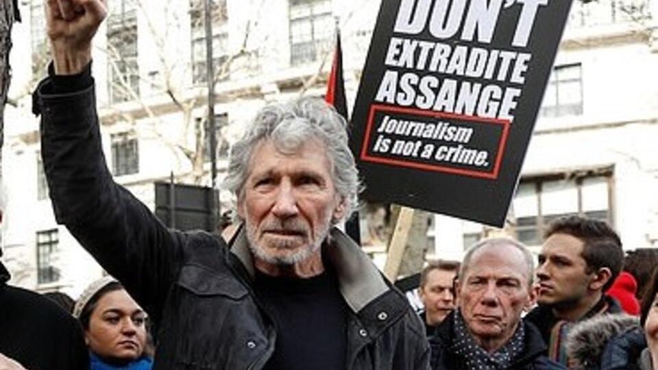Основатель Pink Floyd выступил в поддержку Ассанжа в Лондоне