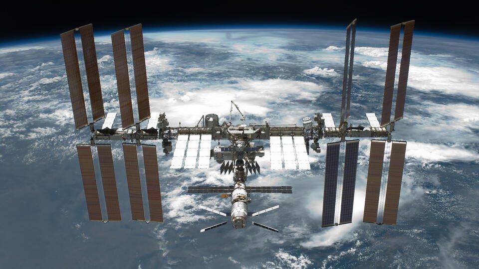 Пленка должна помочь космонавтам найти места утечки воздуха на МКС