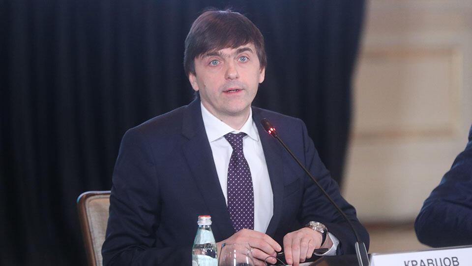 Кравцов заявил о готовности школ и детсадов к началу учебного года