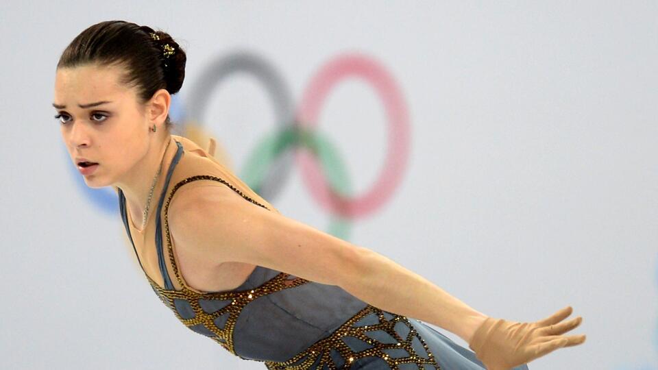 Олимпийская чемпионка Аделина Сотникова завершила карьеру