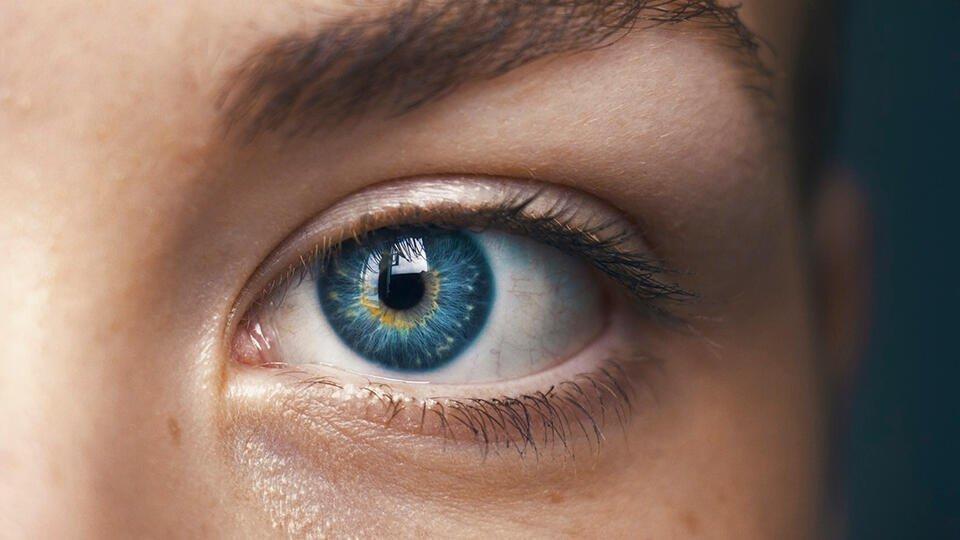 Изменение цвета глаз оказалось признаком опасных болезней