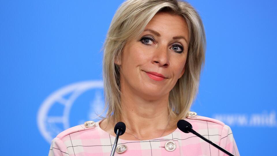 Аббатство невинности: Захарова оценила встречу Макрона и Меркель
