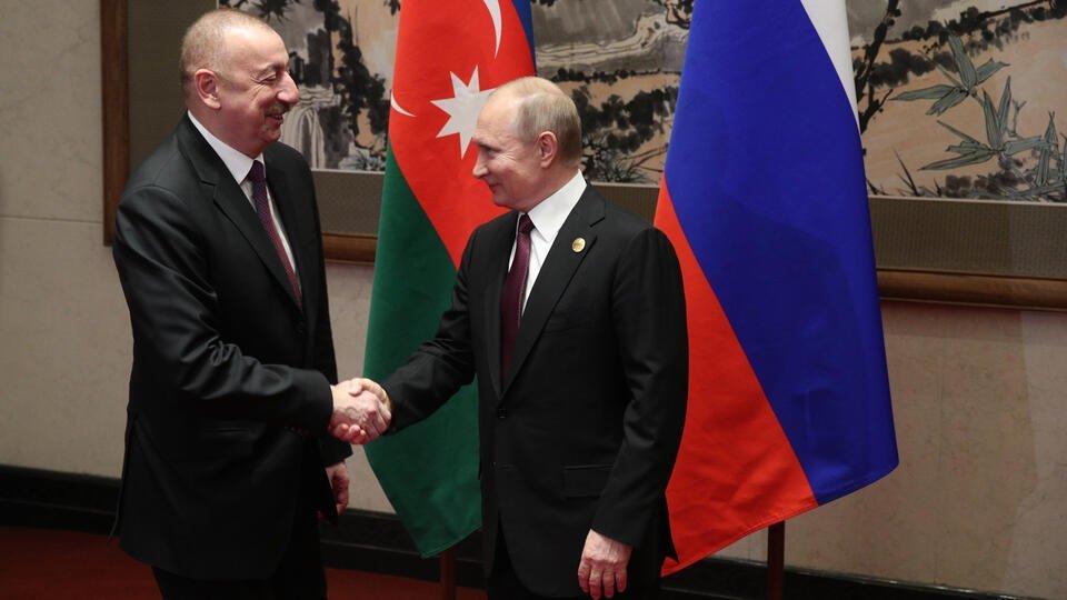 Путин и Алиев отметили неукоснительное соблюдение перемирия в Карабахе