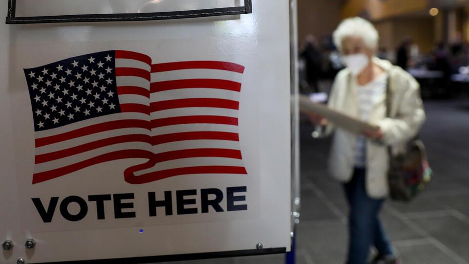 В Бостоне мужчину арестовали за поджог урны для голосования