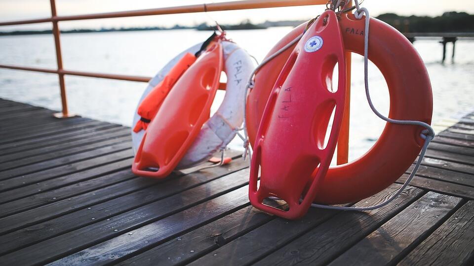 В Саратове перевернулась лодка с четырьмя людьми