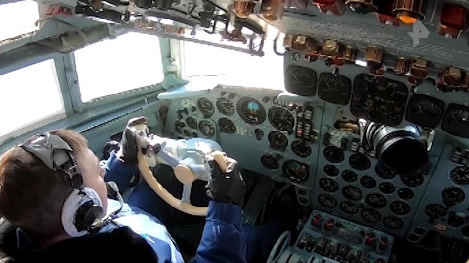Летчики-испытатели готовятся отмечать День защитника Отечества