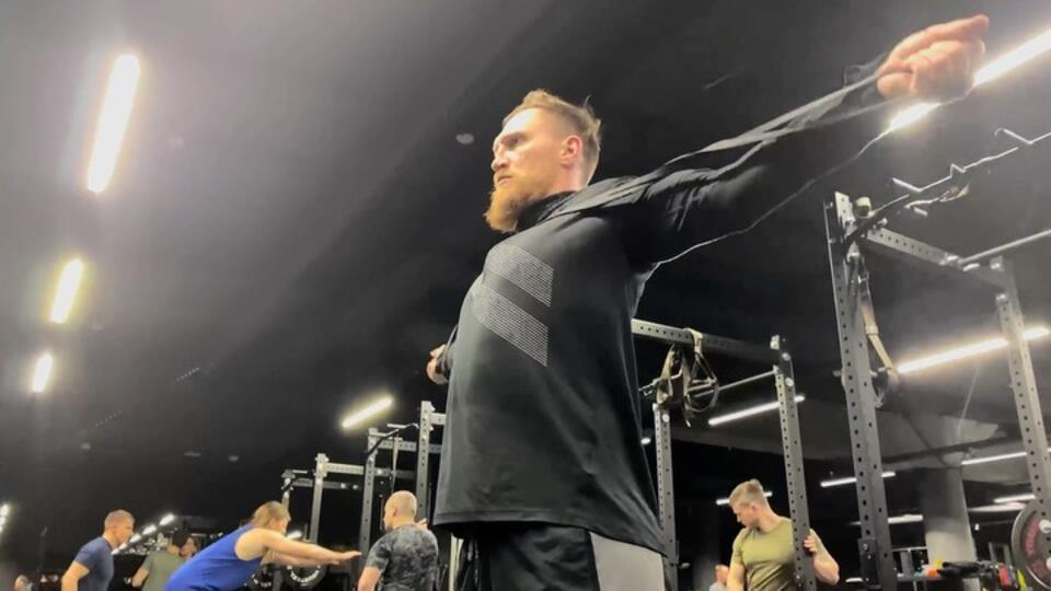 Стволок за поясок: Кудряшов показал, как готовится к турниру Басты