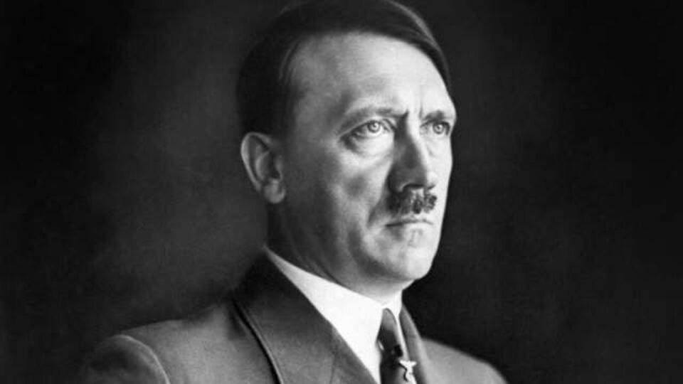Календарь с Гитлером и Менгеле вызвал международный скандал