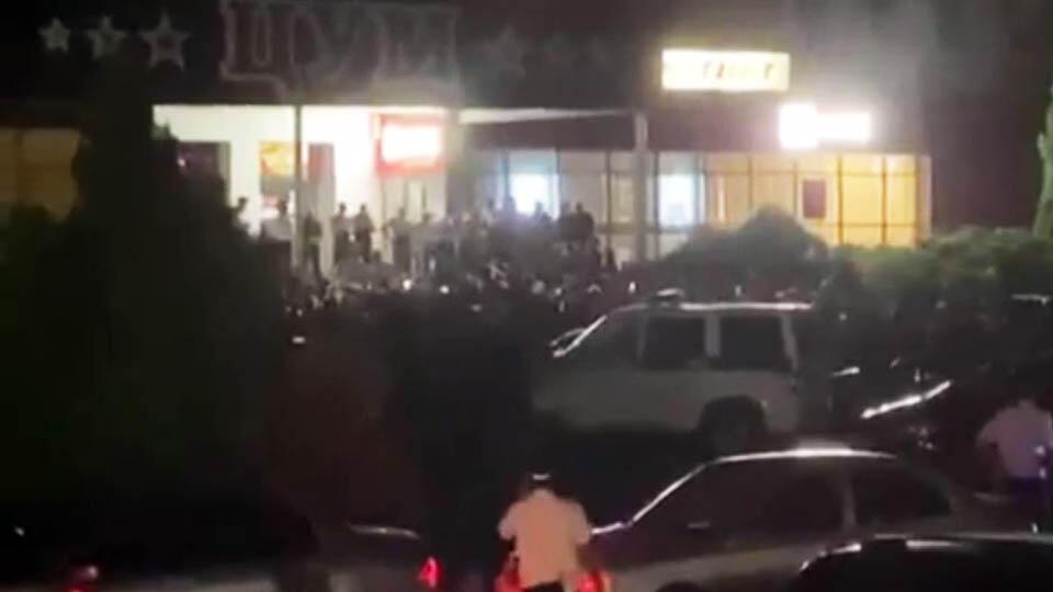 Ставропольчане вышли на массовый сход после смерти девочки в ДТП