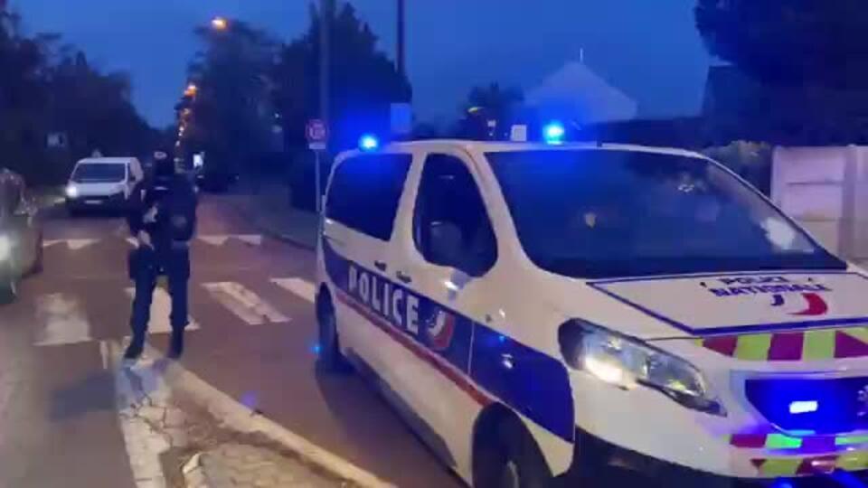 Видео с места, где исламист обезглавил профессора колледжа во Франции