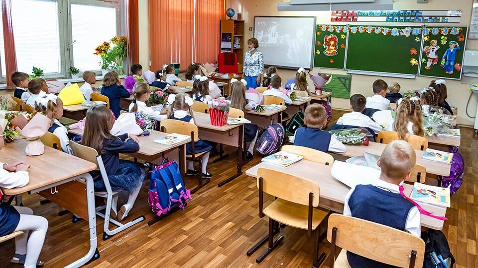 В Минпросвещения назвали управляемой эпидситуацию в российских школах